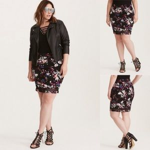 Torrid Black floral fold over skirt